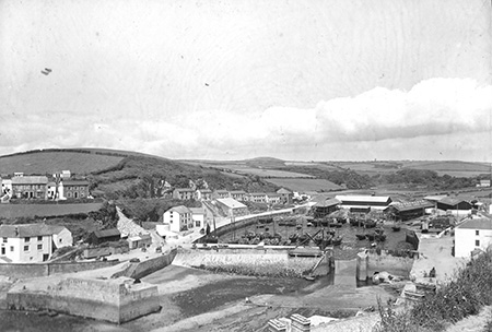 A photograph from around 1900 shows a harbour that's still very recognizable over 100 years later.